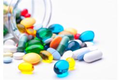 Прием медикаментов для поддержания организма при заражении СПИДом
