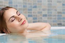 Прием ванн с березовыми почками для лечения аллергии