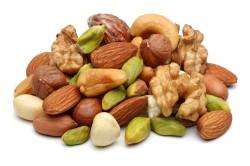 Исключение орехов из рациона питания