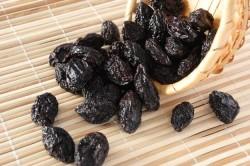 Полезные свойства чернослива для работы кишечника