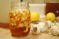Настойка меда, лимона и чеснока