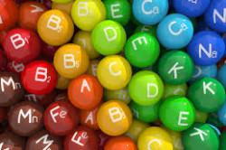 Прием витаминов для поддержки иммунитета кожи